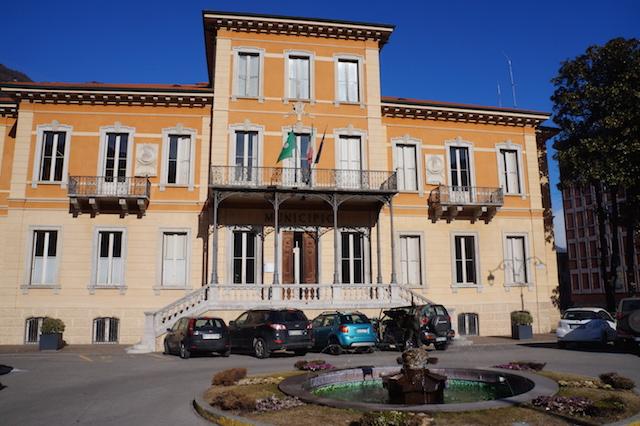 Breno, un bando per riqualificare via Mazzini e i suoi negozi