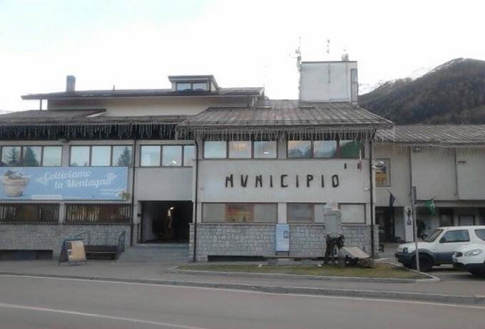 """Botta e risposta tra Andrea Bezzi (Consorzio Silter) e Comune di Pontedilegno dopo il """"trasloco"""" del bestiame a Malonno"""