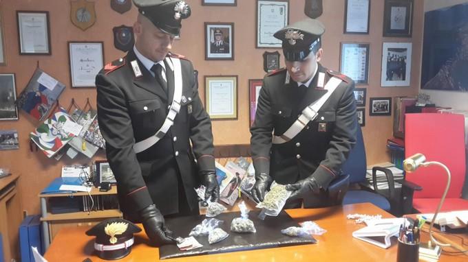 Spaccio di marijuana. Due quarantenni arrestati a Pisogne