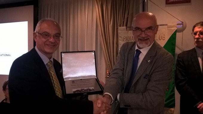 Il premio Panathlon 2017 al professore di Scienze motorie dell'Olivelli-Putelli Sergio Stracuzzi