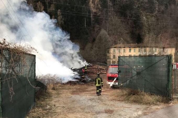 Edolo, dopo l'incendio il sindaco torna a chiedere a Valle Camonica Servizi di intervenire per poter bruciare il cippato prodotto dal Consorzio