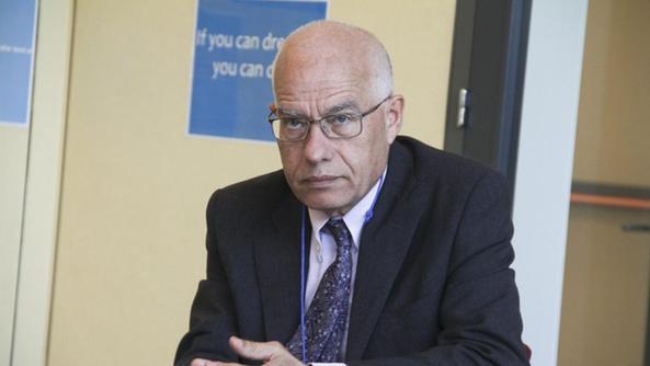 Scuola, il dirigente dell'Uff. scolastico Maviglia va in pensione. Caos intanto per il pronunciamento del Consiglio di Stato sugli insegnanti diplomati