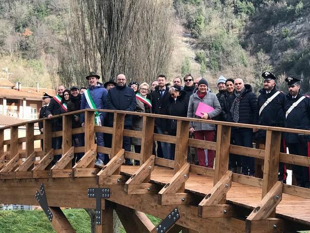 Solidarietà tra Vallecamonica e Marche, inaugurato il ponte a Pioraco
