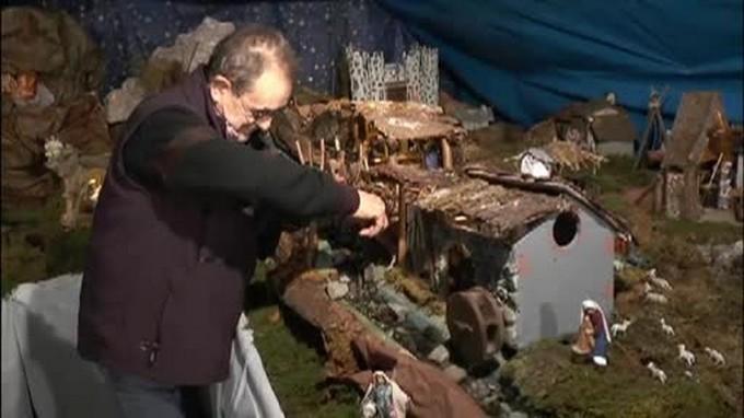 Omaggio di Gino Vanoli alla cupola Liberty delle Terme nel suo presepio meccanico allestito a Darfo