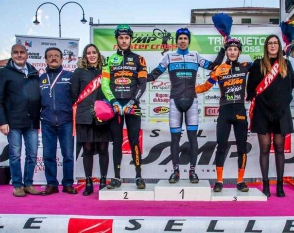 Cristian Cominelli: dopo il podio al Giro d'Italia la vittoria al Master Cross, ma si prepara all'emozione più bella