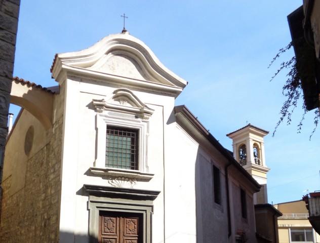Iseo, incendio nella chiesetta di Santa Maria del Mercato