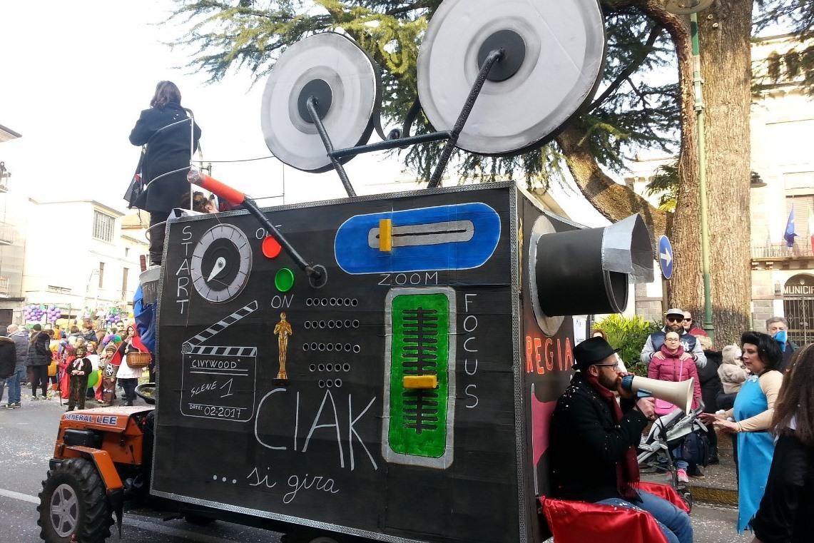 Darfo, domenica l'invasione di carri e maschere per il Carnevale cittadino