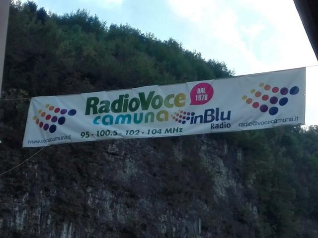StriscioneRadio