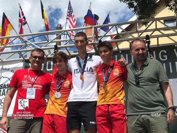 Campione del mondo di Skyrunning a 17 anni: Corteno Golgi festeggia Marco Salvadori