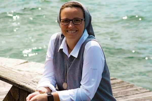 Suor Noemi Mazzucchelli sceglie la sua Monte Isola per la professione perpetua