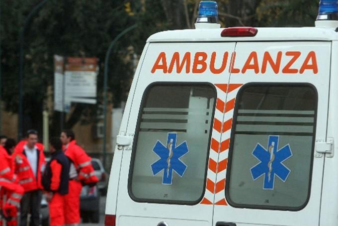 Sonico, si ribalta camper: tre feriti non gravi
