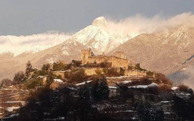 Neve in Valle, tetti imbiancati e pochi disagi