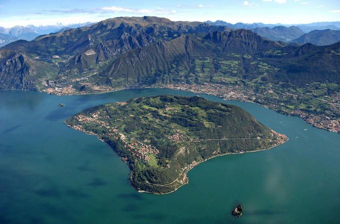 Tariffe agevolate per chi vive a Monte Isola: la Regione dà il suo contributo