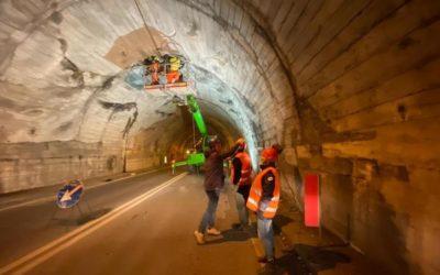 Via Mala, lavori in corso nella galleria dove caddero calcinacci