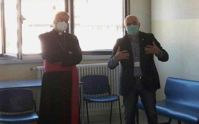 Il Vescovo raggiunge anche l'ospedale di Edolo per una breve ma toccante visita