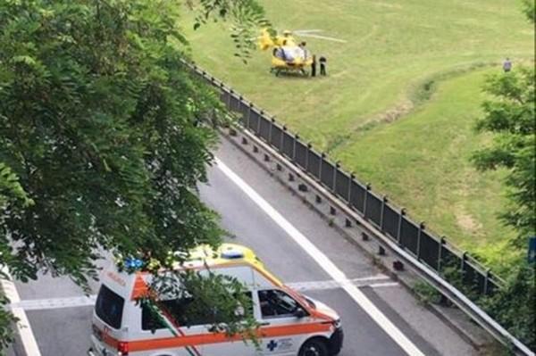 Costa Volpino, incidente in galleria sulla statale 42
