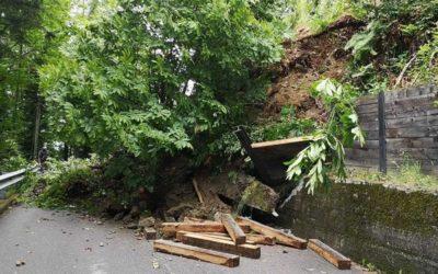 La pioggia causa dissesti: a Malonno chiusa la strada per Odecla-Nazio-Moscio, a Pisogne senso unico per Pontasio