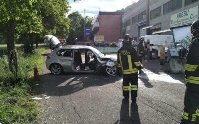 Edolo, auto contro un muro: 5 feriti, tra cui due bambini