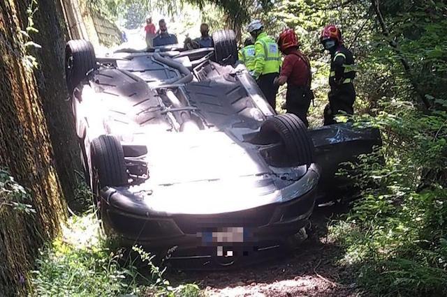 Edolo, trovato 60enne morto in auto ribaltata tra i boschi