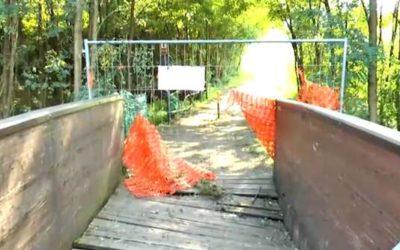 Piancamuno, chiuso il tratto di ciclabile sul torrente per la sistemazione del ponte in legno