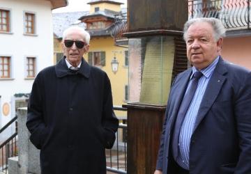 Morto a Milano il poeta Franco Loi: sua la poesia sul totem di fronte alla parrocchiale di Ponte di Legno
