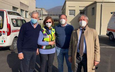 """Bertolaso in visita al punto vaccinale di Iseo: """"Modello da imitare"""""""
