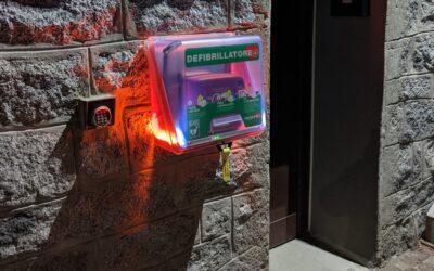 Edolo, i Vigili del fuoco acquistano e installano un defibrillatore a disposizione della comunità