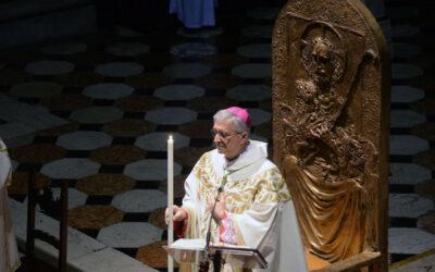 """Il Vescovo alla Veglia pasquale: """"Risorgere oggi vuol dire per noi rialzarci e riprendere un cammino"""""""