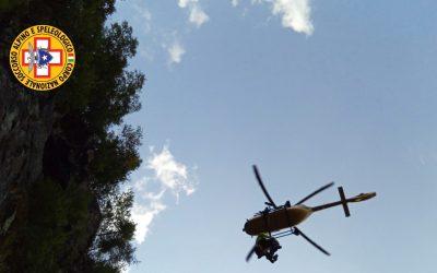 Cade sul sentiero per l'Aviolo, soccorso dal Cnsas e dall'eliambulanza