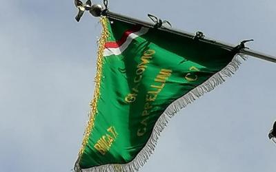 Lo storico gagliardetto delle Fiamme Verdi sparisce nel nulla: appello della famiglia per ritrovarlo